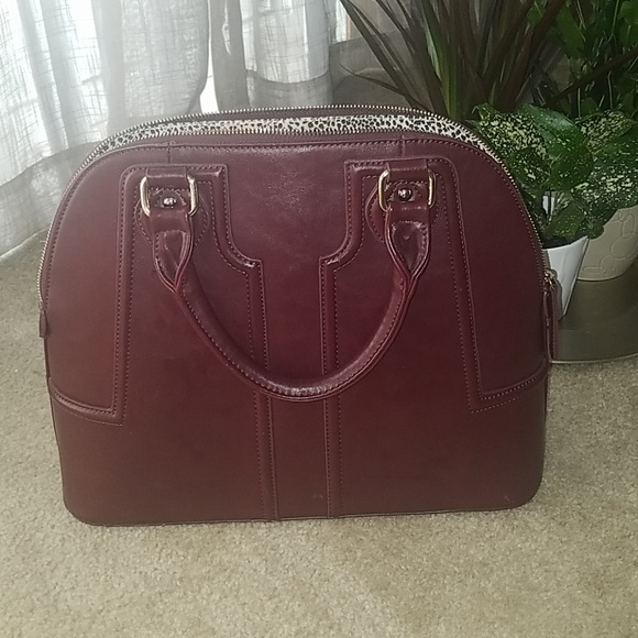 Sole Society Handbags - Sole Society burgundy structured purse
